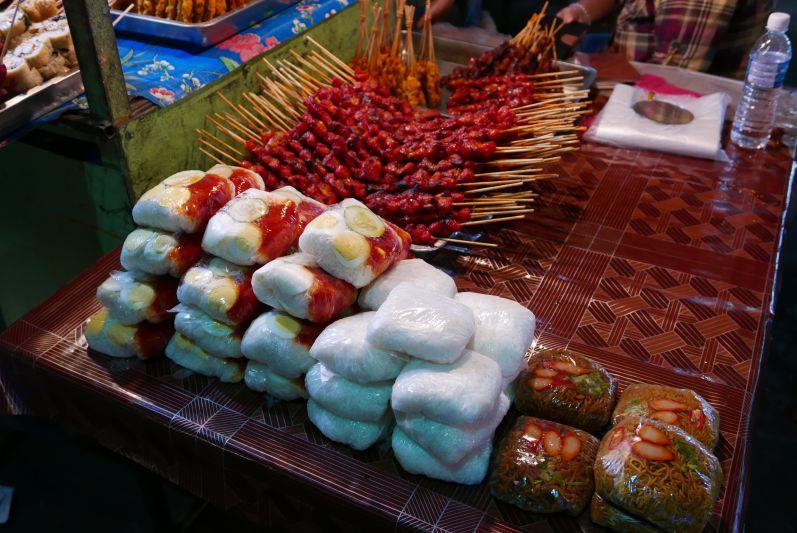 Nachtmarkt4_Sibu_travel2eat