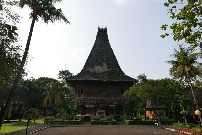 Taman_Mini_Jakarta_travel2eat (1)