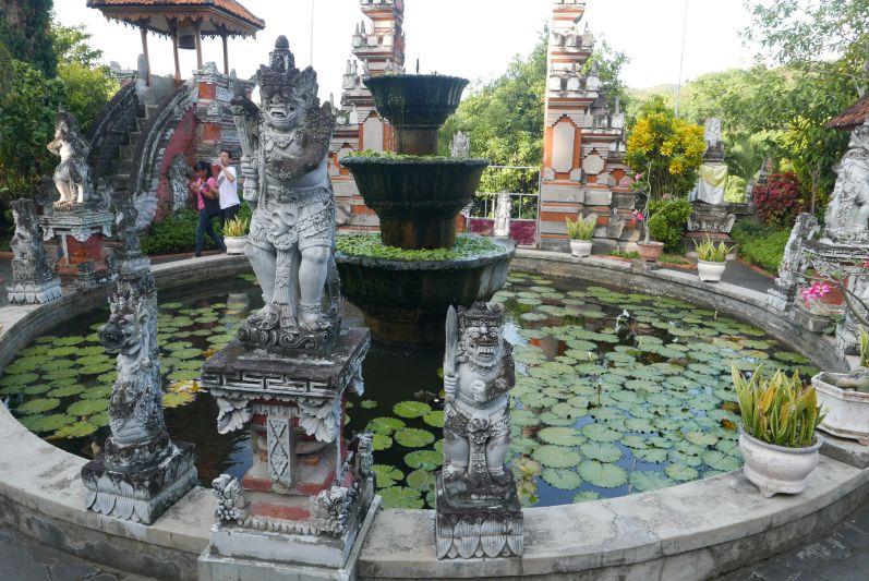Buddhist_Temple_Bali_travel2eat (2)