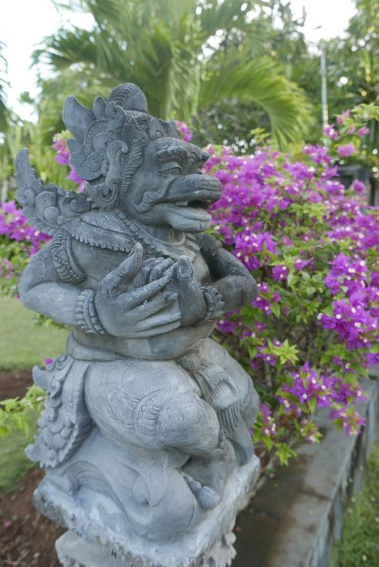 Buddhist_Temple_Bali_travel2eat (7)