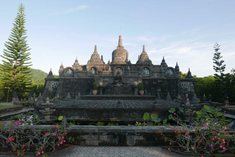 Buddhist_Temple_Bali_travel2eat (8)