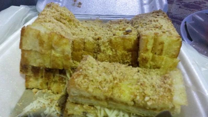 Mein roti Bakar mit Käse und Erdnussbutter