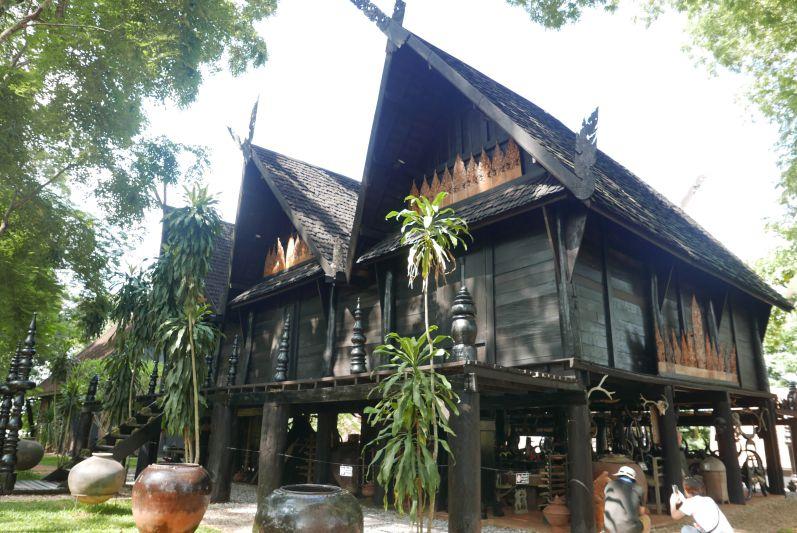 Schwarzes_Haus_Chiang_Rai_travel2eat (4)