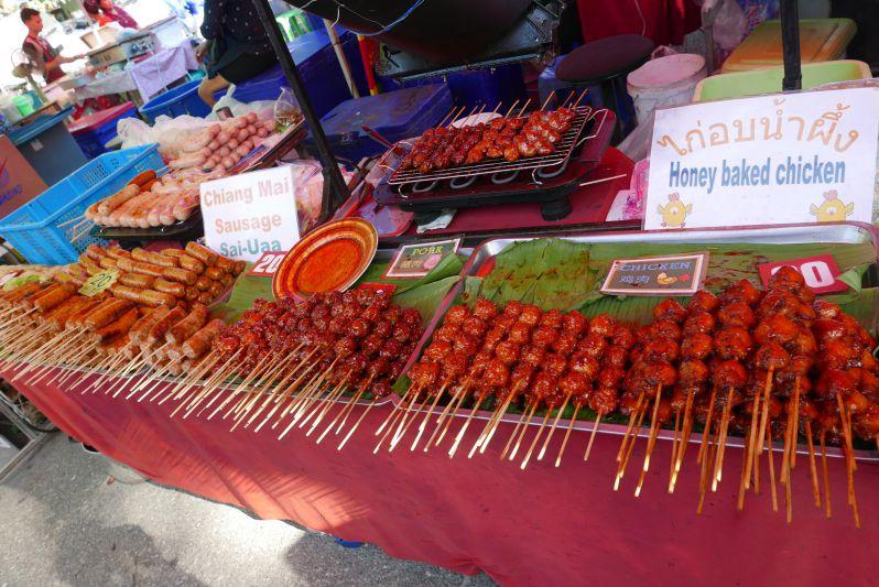 Sonntags_Markt_Chiang_Mai_travel2eat