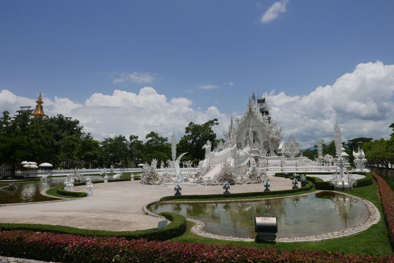 Weißer_Tempel_Chiang_Rai_travel2eat (4)