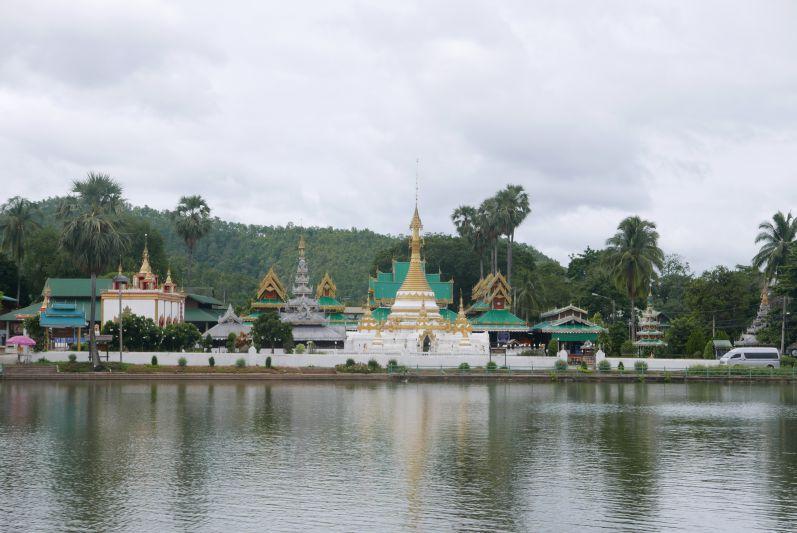 Tempel_mae_Hong_Son_travel2eat (2)