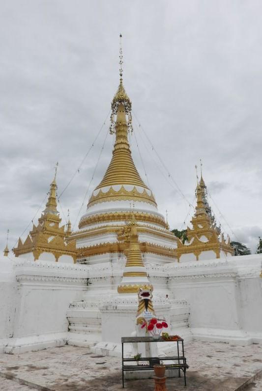 Tempel_mae_Hong_Son_travel2eat (4)