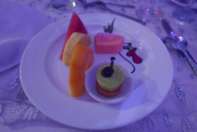 Zum Nachtisch gab es Kuchen und Obst