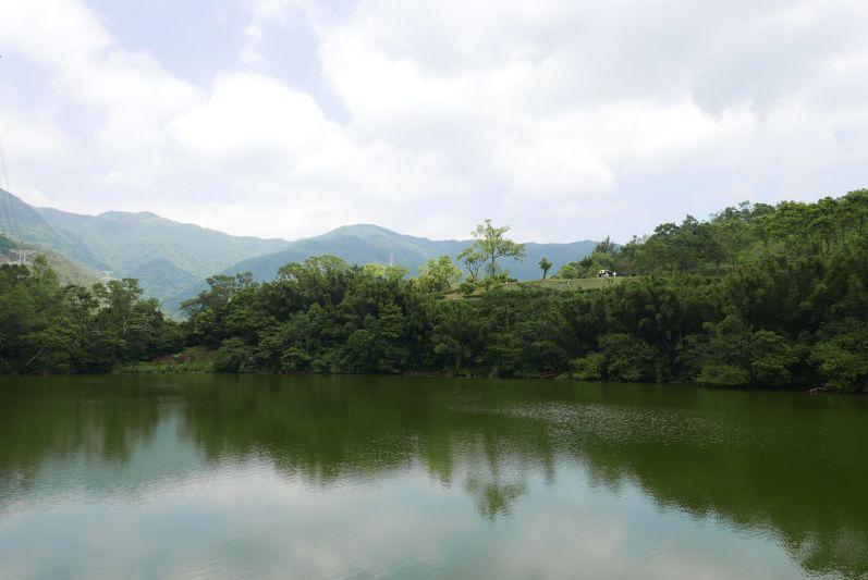 Auf dem Weg zum Linmei Shipan Trail sind wir an diesem See vorbeigekommen