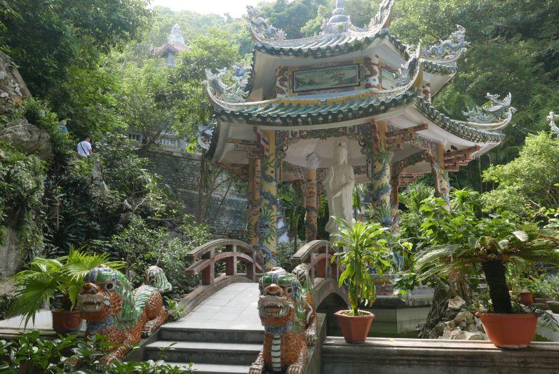 Marble_Mountains_Danang_travel2eat (1)