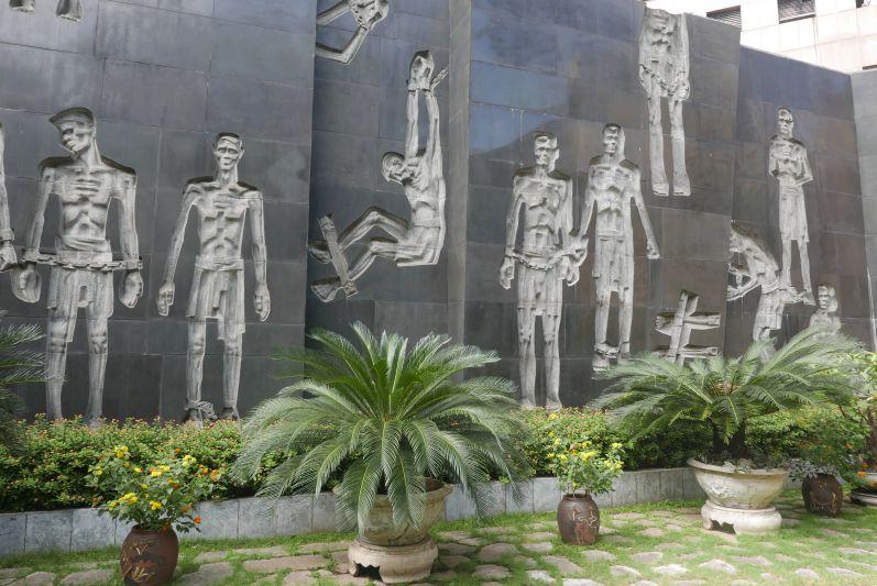 Hoa_Lo_Gefaengnismuseum_Hanoi_travel2eat (3)