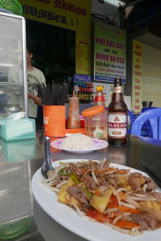 Rindfleisch mit Gemüse im Phuong Nhung Restaurant