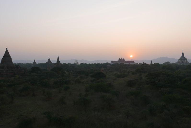 Sonnenuntergang_Bagan_travel2eat