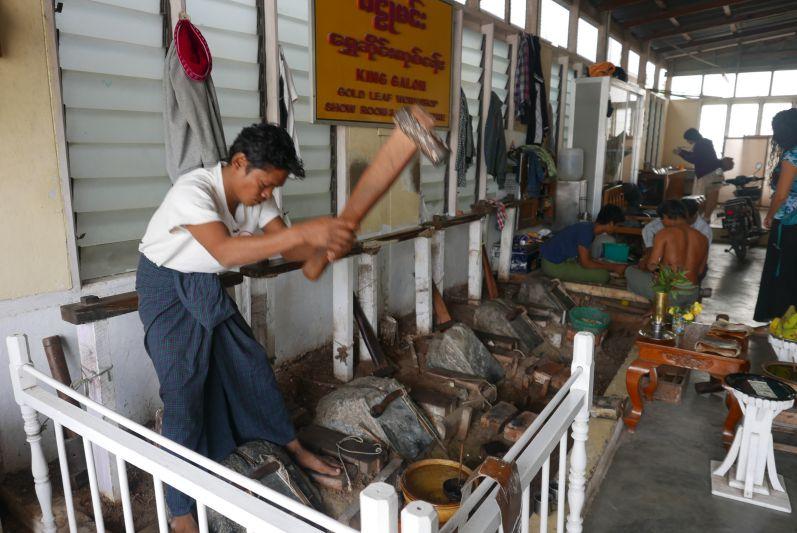 Herstellung_Goldblaettchen_Mandalay_Myanmar_travel2eat (3)