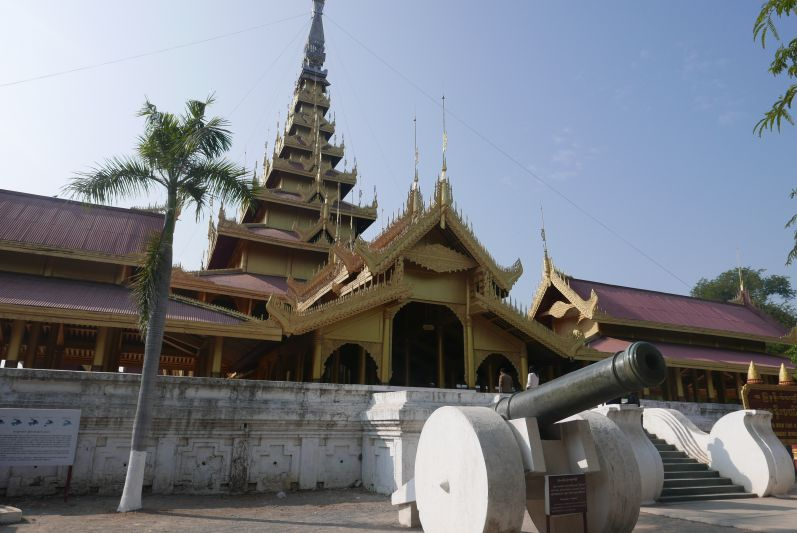 Koenigspalast_Mandalay_Myanmar_travel2eat (2)
