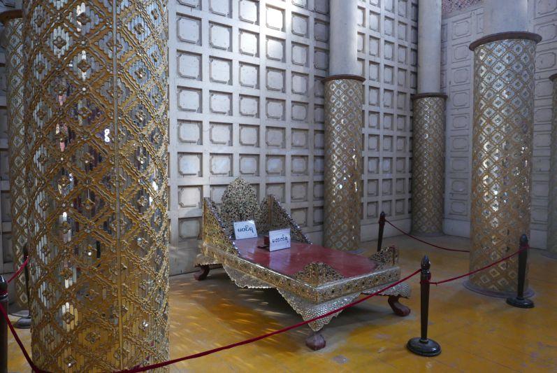 Koenigspalast_Mandalay_Myanmar_travel2eat (3)