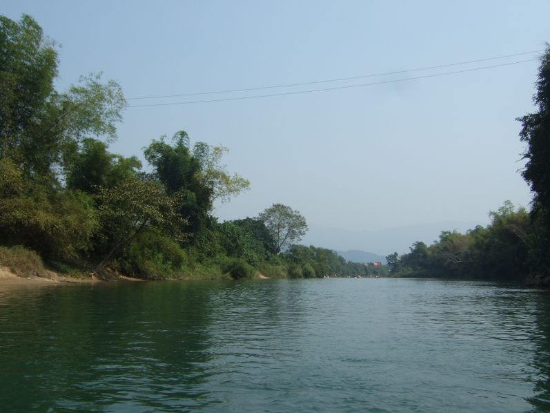 Kayak_Fluss_Vang_Vieng_Laos_travel2eat