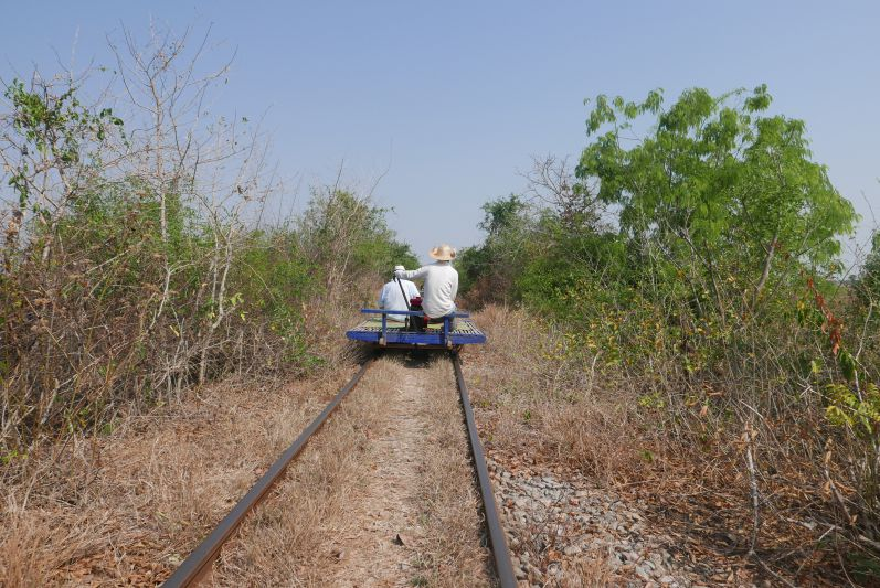Bamboo_Train_Strecke_Battambang_travel2eat