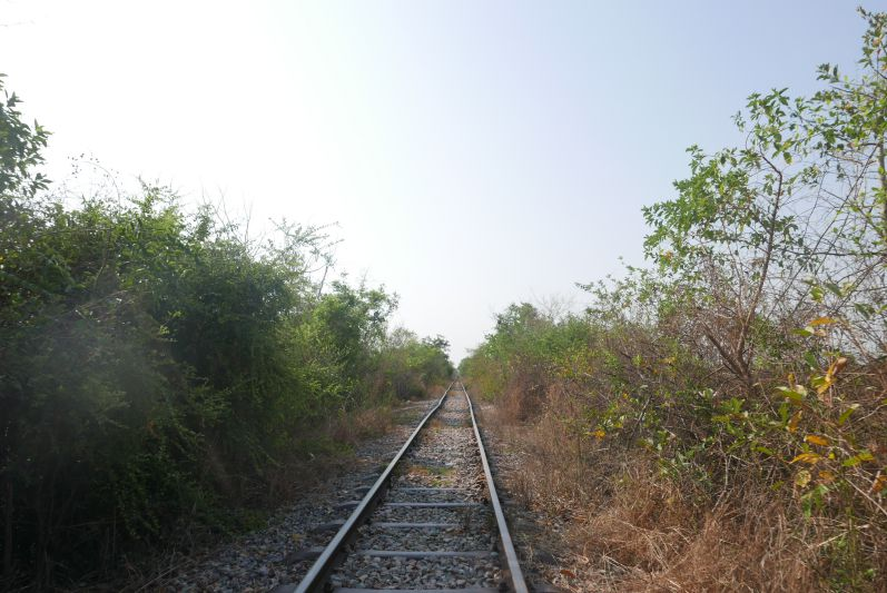 Bambootrain_Strecke_Battambang_travel2eat