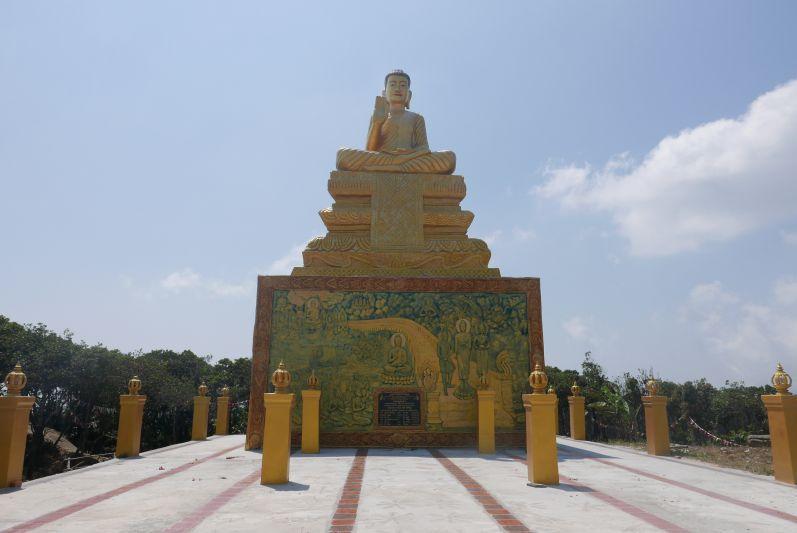 Figur_Wat_Bokor_Kampot_travel2eat