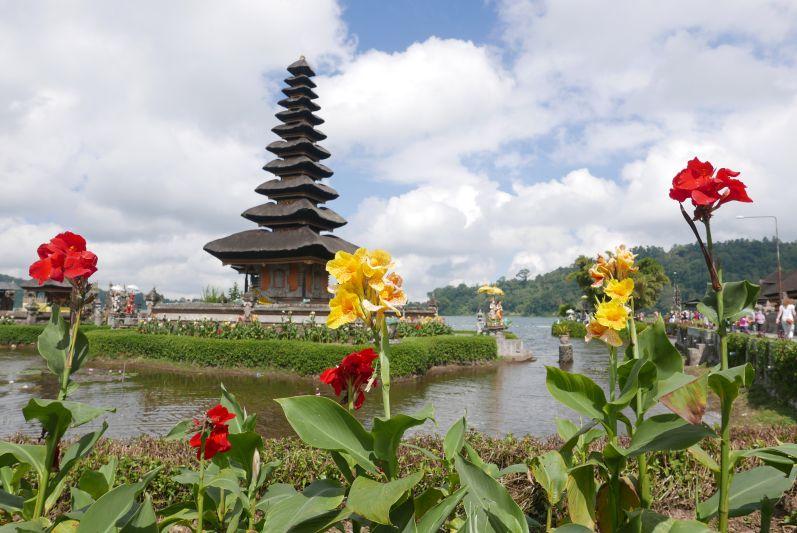 Der Lake Tempel in Bali