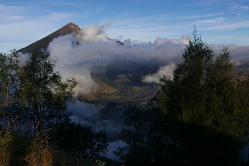 Der zweithöchste Vulkan Indonesiens: der Rinjani