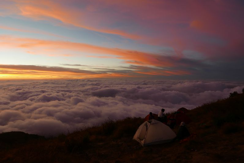 Erstes Nachtlager auf dem Berg