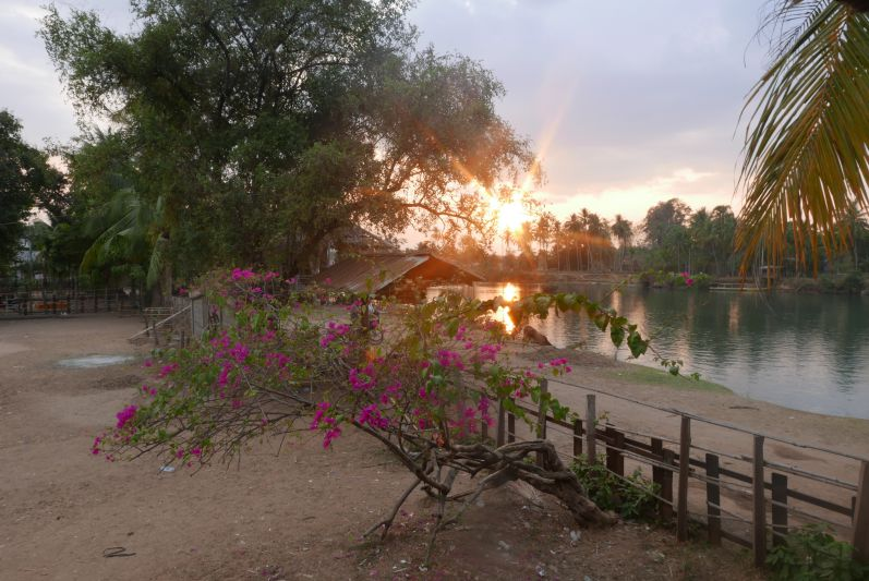 Vom Restaurant aus hatten wir einen prima Blick auf den Sonnenuntergang