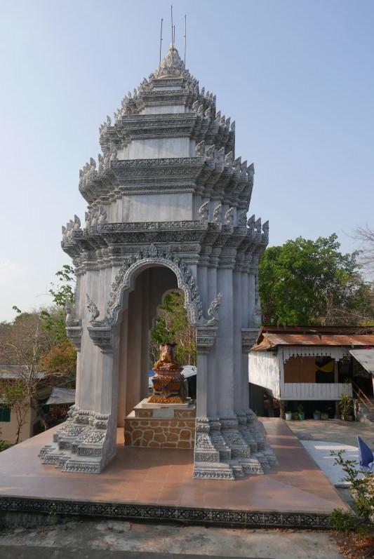 Tempel_Killing_Cave_Battambang_travel2eat (2)
