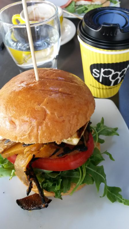 Kürbis-Burger bei Spoon Espresso