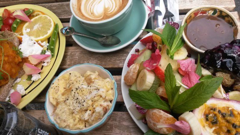 Australien ist eine Frühstücks-Nation (herrlich!!) - hier im Flora und Fauna in Northbridge